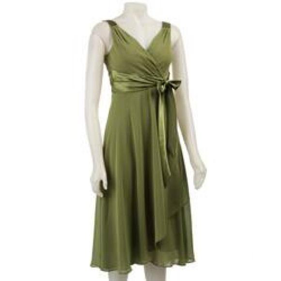 Evan Picone Dresses & Skirts - Evan-Picone Olive Green Evening Dress size 4